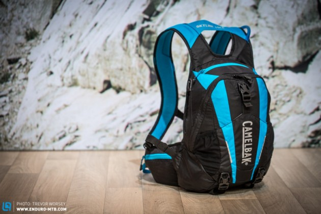 The Skyline 10LR comes with a 3L Antidote Lumbar Reservoir with a quick link and an additional 7 litres of storage space