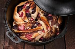 dutch-oven-dessert-300x199